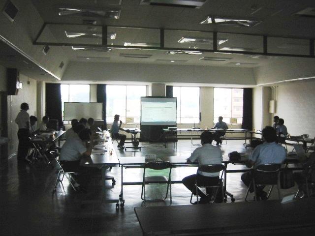 福島県いわき市の(株)山木工業与田裕ISO推進室長の「地球にやさしいふくしま県民会議いわき地方会議」発表の全体の様子